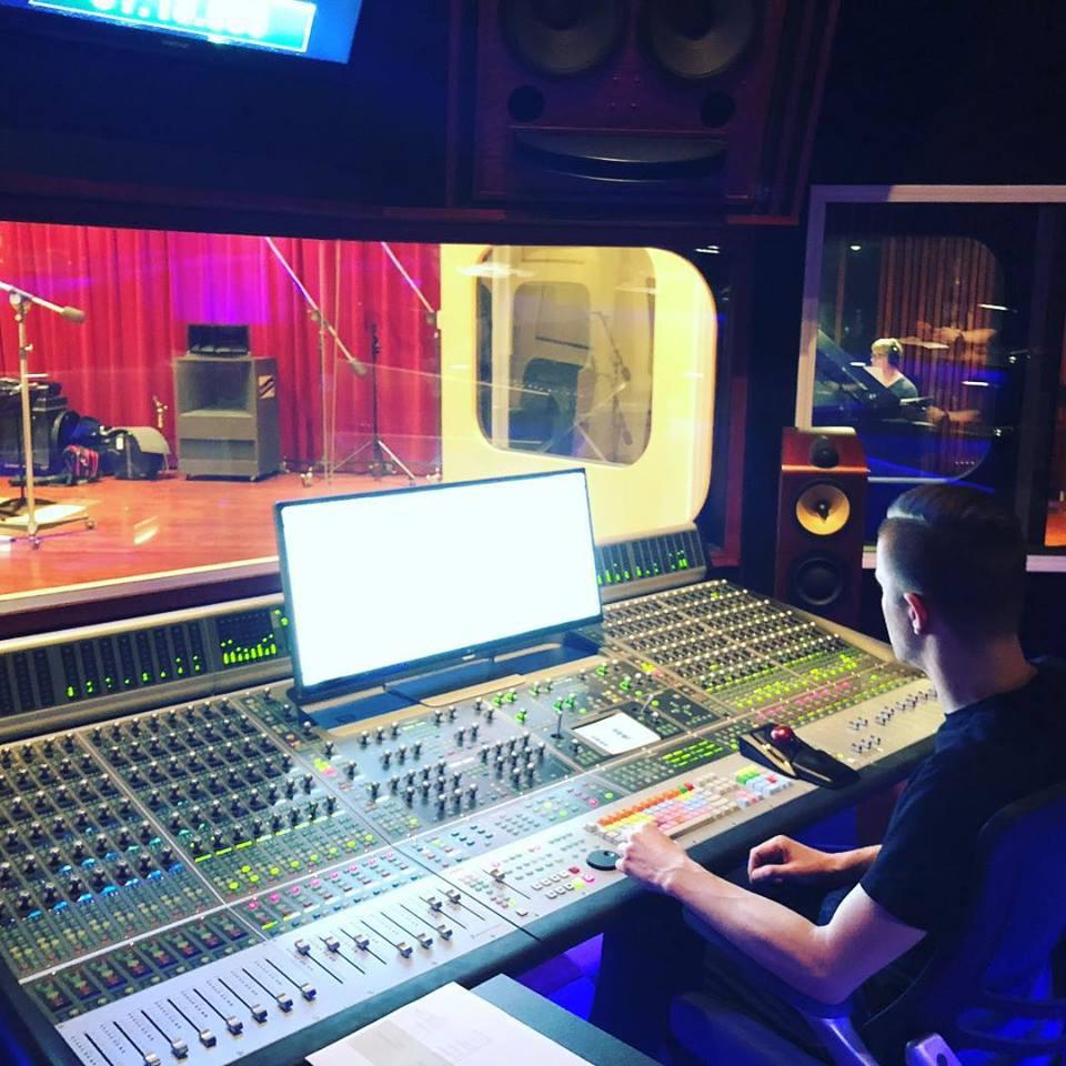 Justin tracking Waynes solo on Moonlight